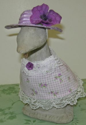 """Summer lavender and white checked outfit for 9"""" gosling cement goose"""