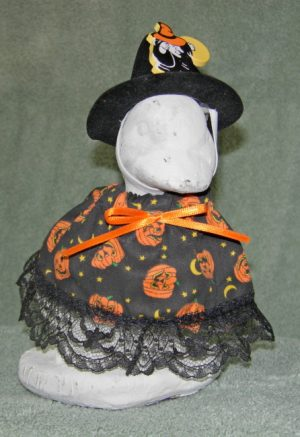 """Halloween Beige with pumpkins and witch hat Geese clothes for 6"""" cement goose"""