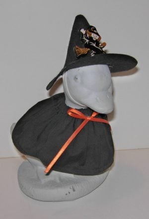 """Halloween Black witch with witch hat Geese outfit for 6"""" cement goose"""