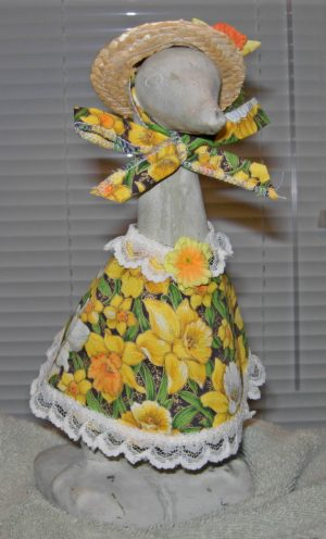 "Spring Daffodil fabric with straw hat Cement goose outfit for 9"" upright goose"