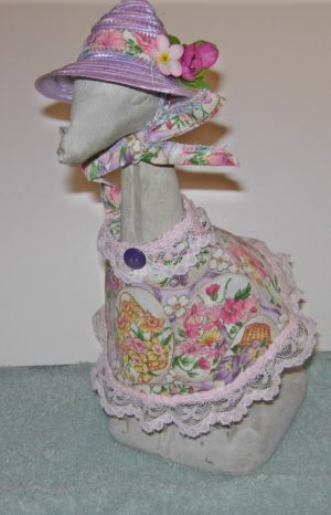 "Spring Tiny spring flowers dress with lavender straw hat for 9"" upright lawn goose"