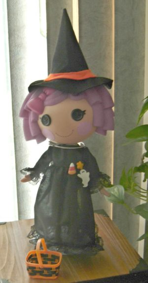 """Witch outfit with felt witch hat and trick or treat basket for 13"""" LaLaLoopsy dolls"""